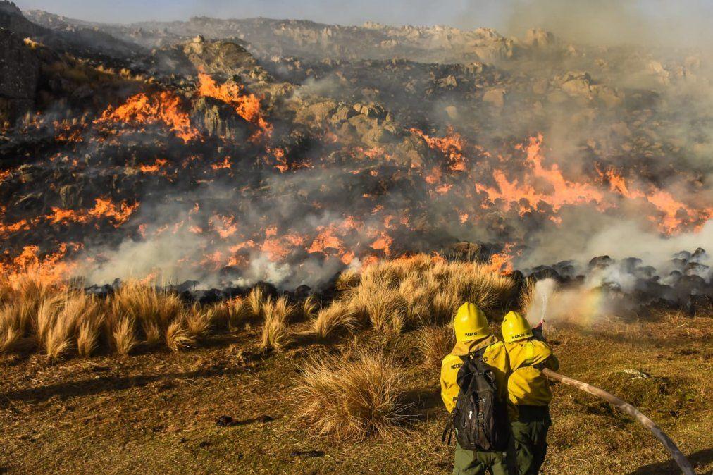 En Punilla contuvieron un incendio de grandes dimensiones