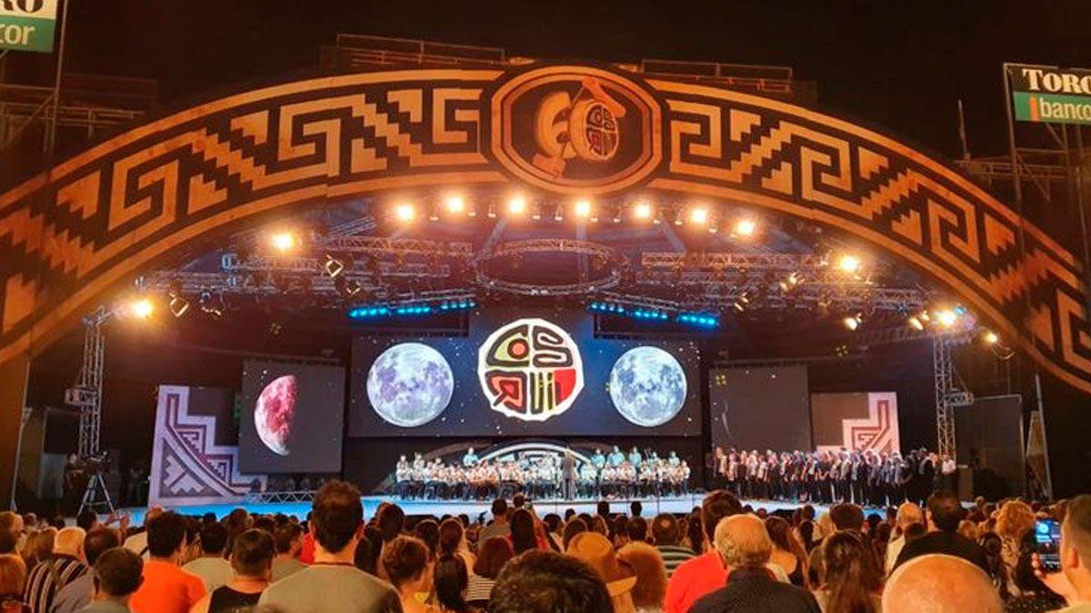 Con grandes artistas, se presentó el Festival de Cosquín