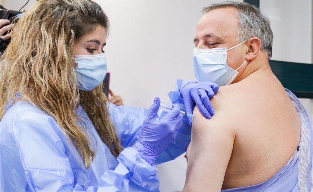 Evalúan descuentos a trabajadores no vacunados