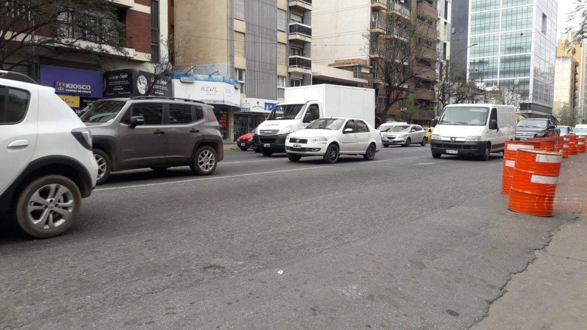 Comerciantes a gusto con el cantero central de la Maipú aunque preocupa el tránsito