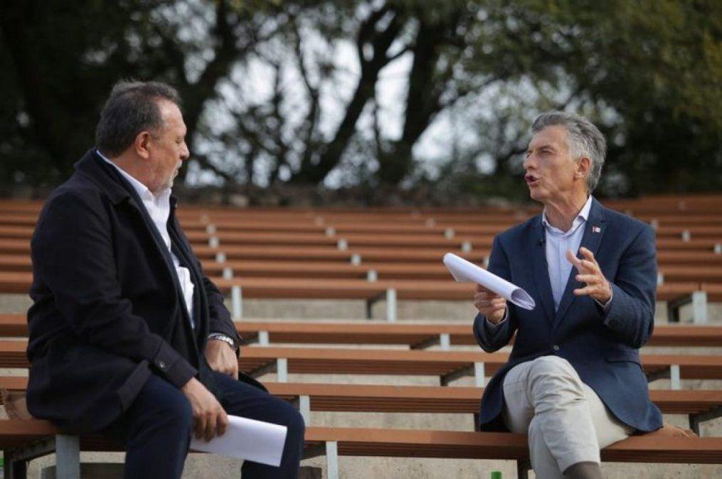 Santos y Macri durante la presentación del libro Primer tiempo.