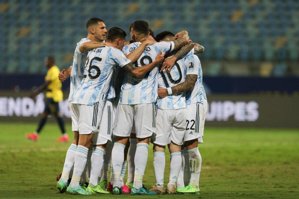 Argentina superó a Ecuador por 3 a 0