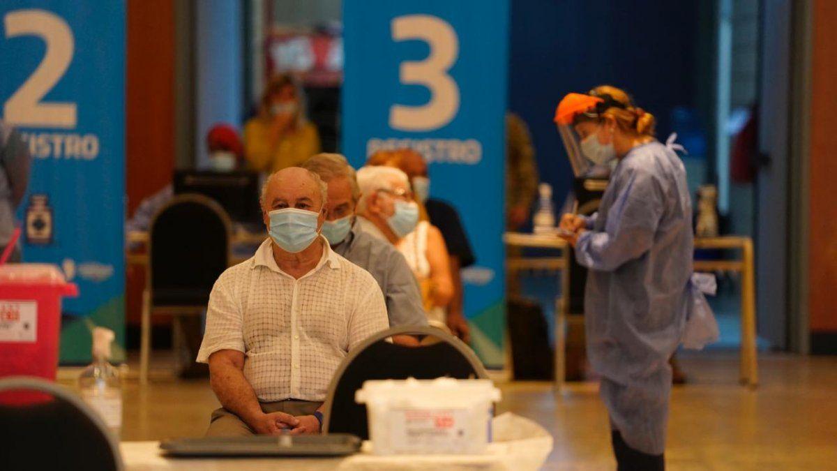 Córdoba llegó al millón de personas vacunadas con las dos dosis