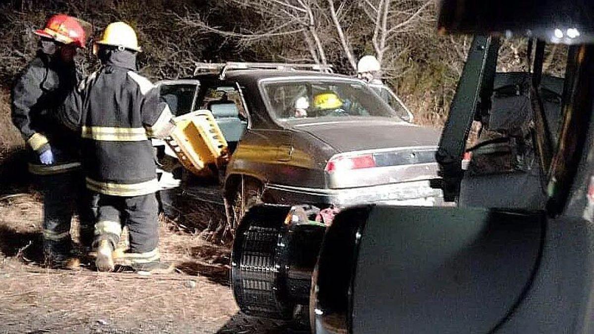 Bomberos voluntarios de Santa Rosa de Calamuchita intervinieron debido al siniestro en ruta S228.