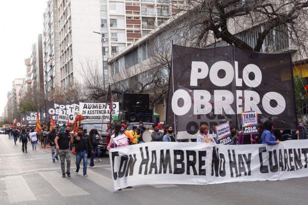 Marcha de organizaciones sociales y caos de tránsito en el centro de Córdoba