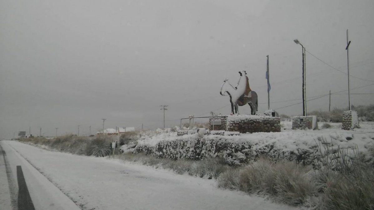 Camino de las Altas Cumbres cerrado por nieve