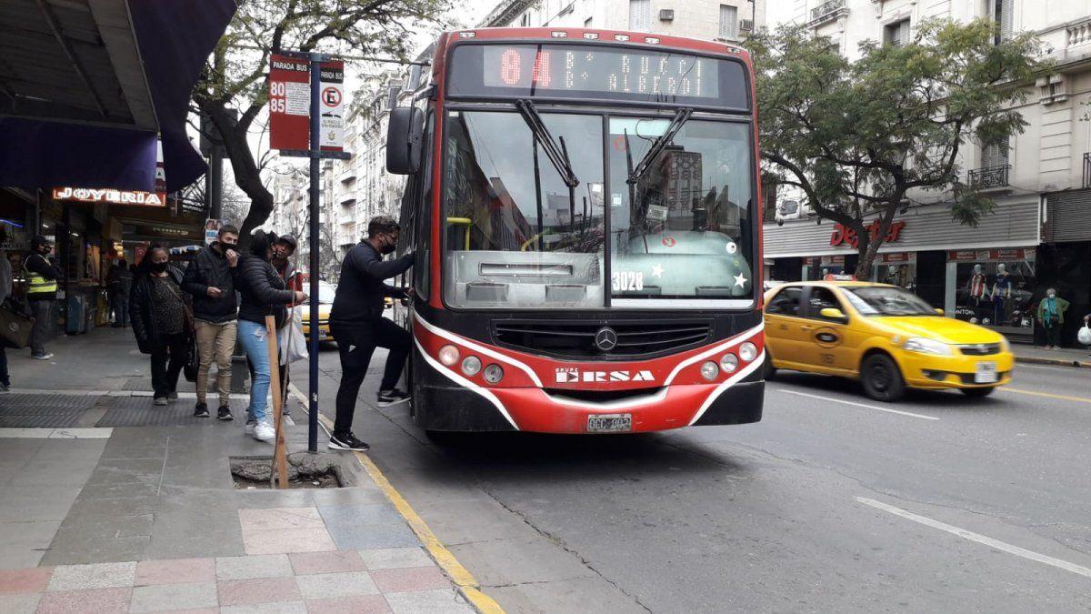 Los usuarios descontentos por el servicio de colectivos en Córdoba