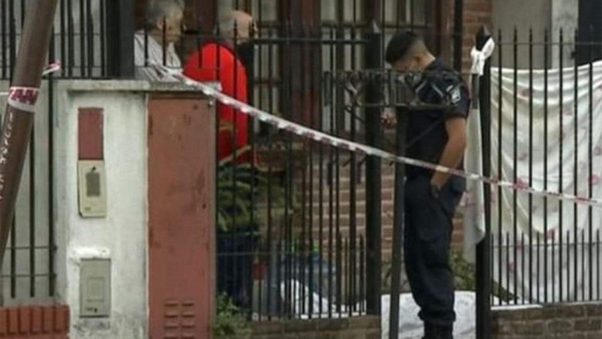 Asesinaron a un estudiante de 17 años para robarle la bicicleta y el celular. Ocurrió esta mañana en el barrio Naval