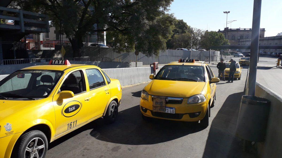 Taxistas preocupados por el aumento de casos de coronavirus