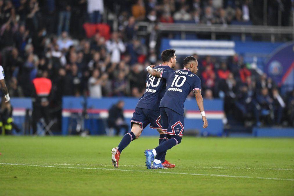 Icardi le dio el triunfo al PSG y Messi salió enojado