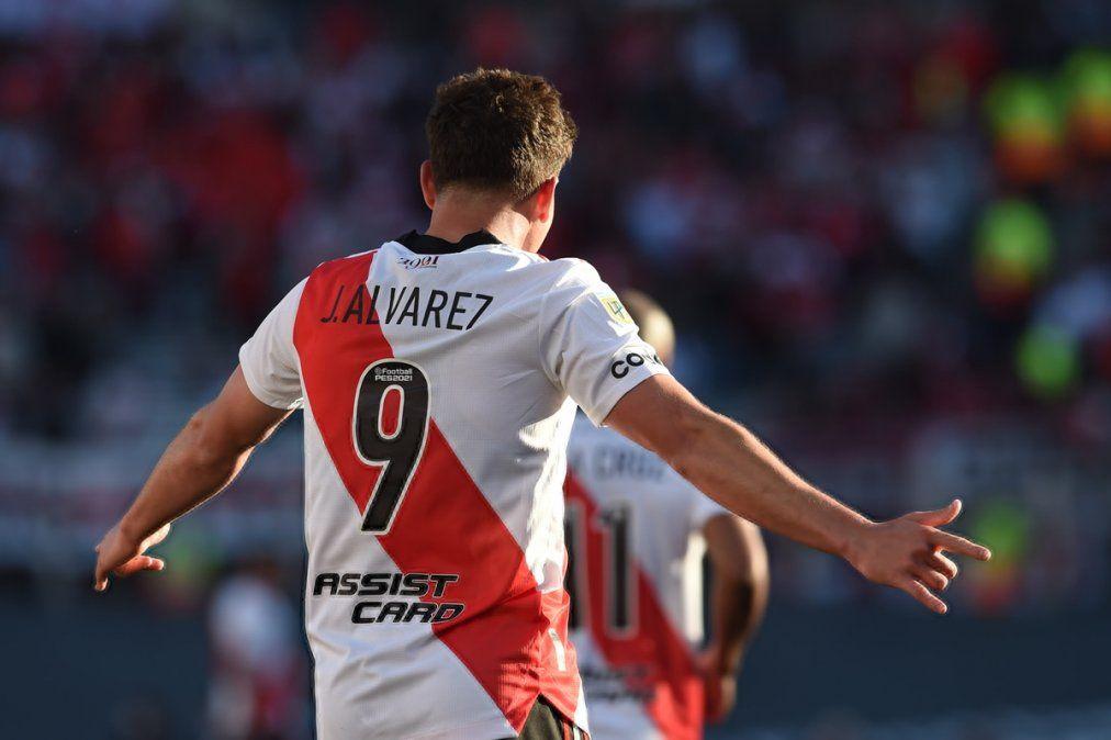 Con dos goles del cordobés Álvarez, River venció a Boca en el Superclásico
