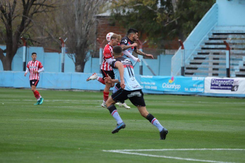 Instituto perdió 2 a 0 con Brown en Adrogué.