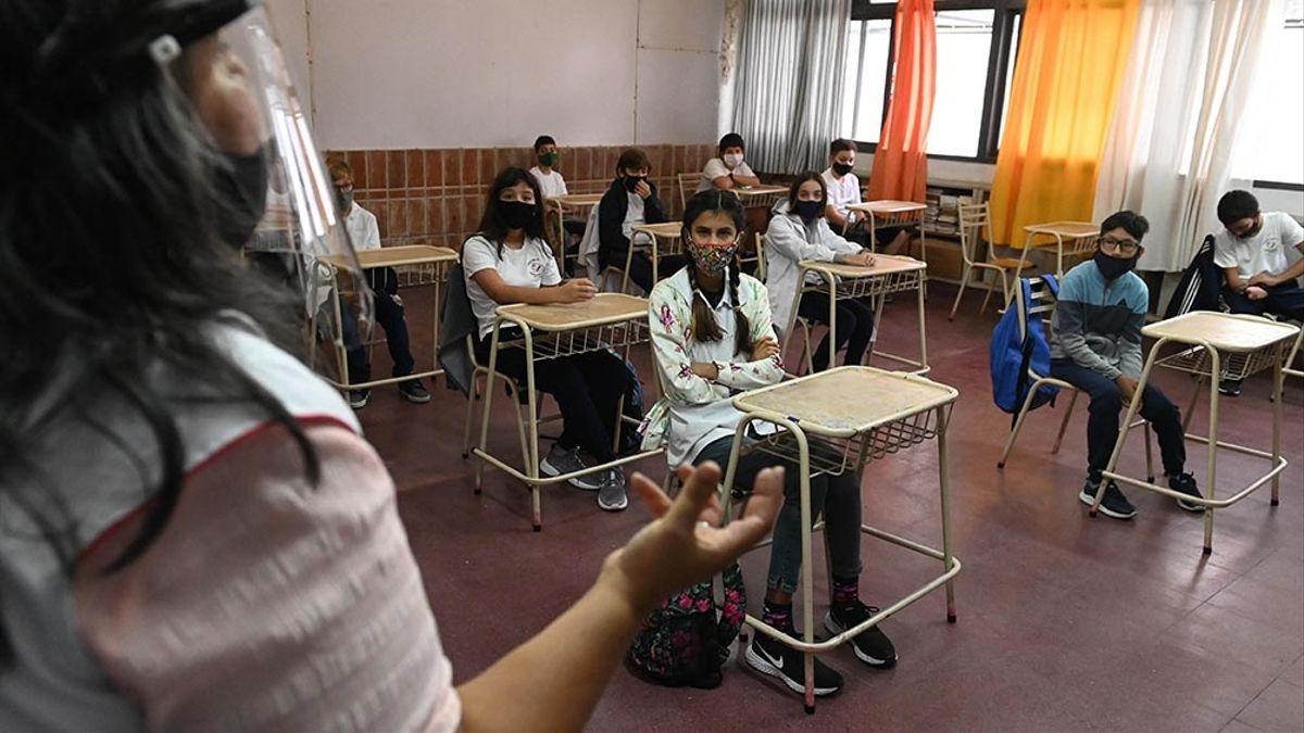 Córdoba avanza hacia una mayor presencialidad en las aulas