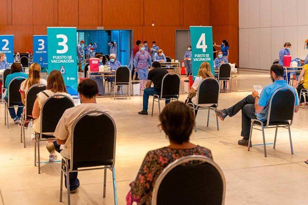 Córdoba: mayores de 18 años pueden vacunarse sin turno