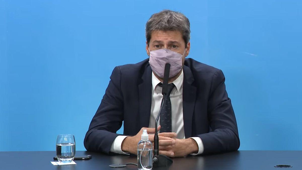 Matías Lammens confirmó que el Gobierno no analiza cerrar el fútbol.