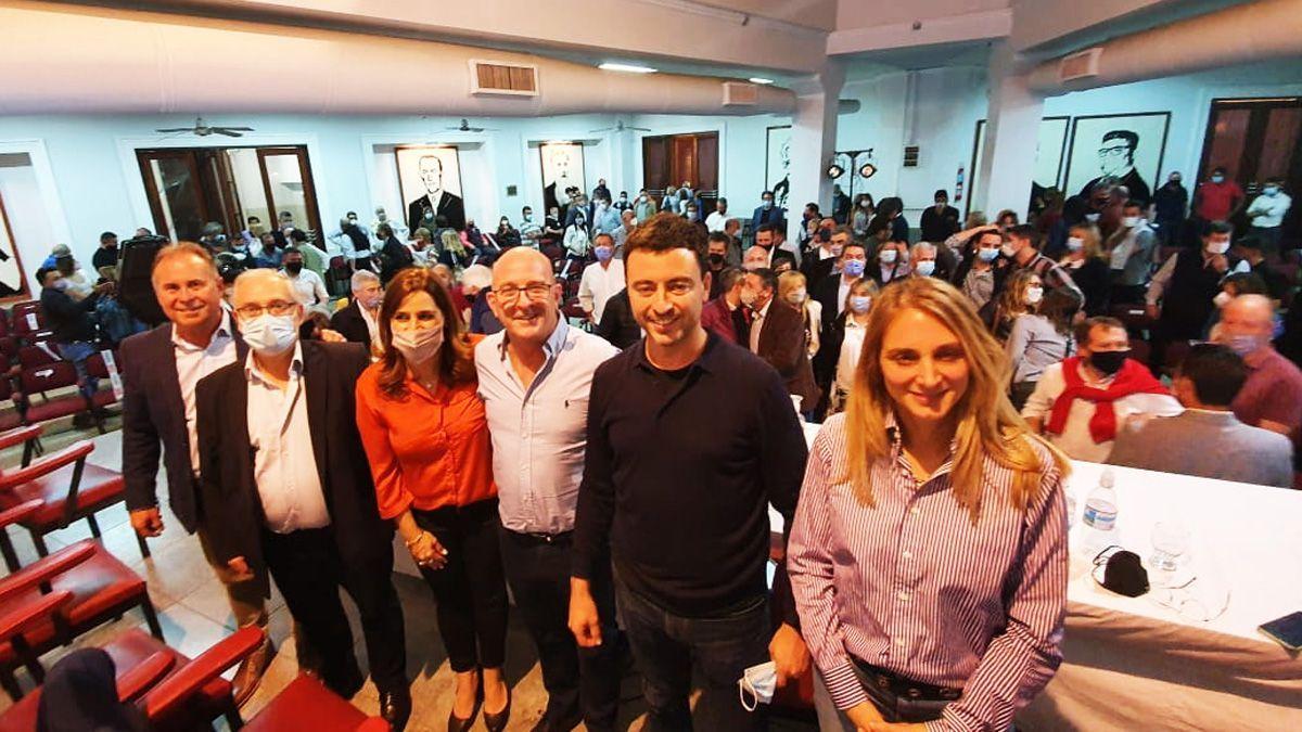 La Junta Electoral confirmó que Santos irá quinto en la lista;la UCR, unida de cara a noviembre