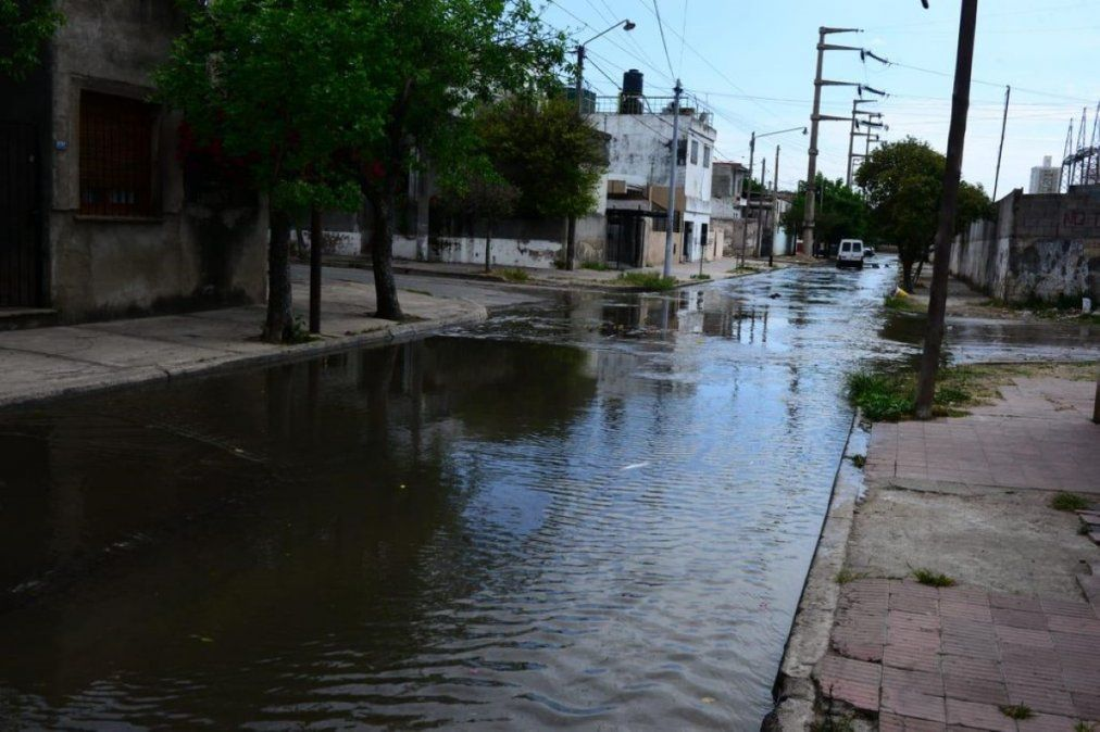 La Municipalidad denunciará a la empresa que generó el desborde cloacal en Alberdi