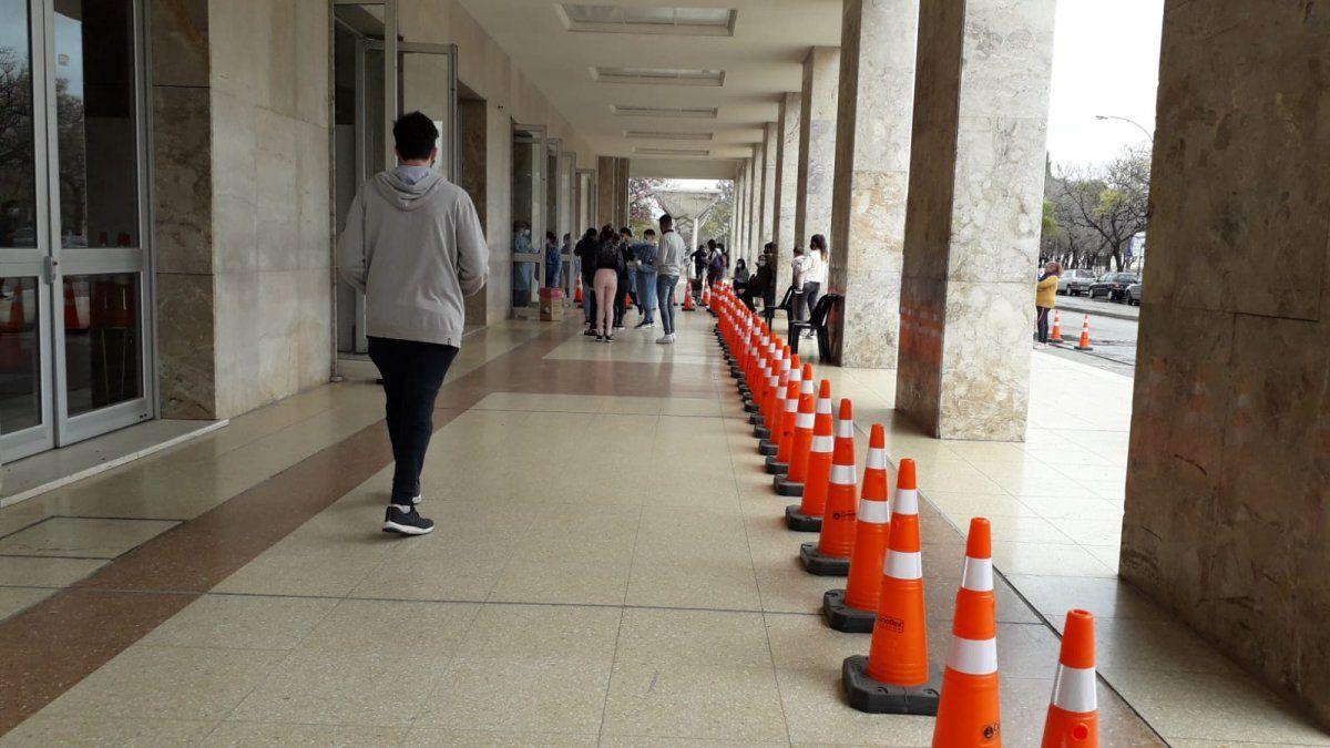 Intensa actividad en el centro de vacunación de Ciudad Universitaria