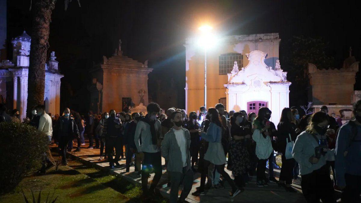 Gran concurrencia en La Noche de los Cementerios