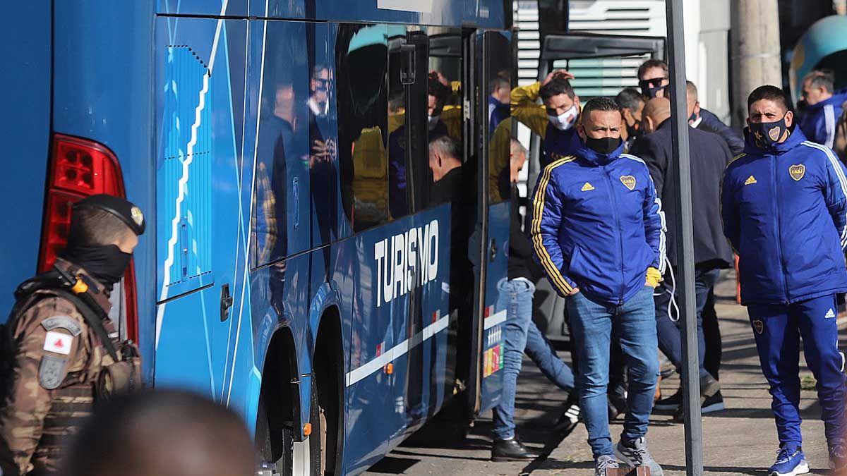 Boca regresa desde Brasil después del escándalo en el partido frente a Mineiro.