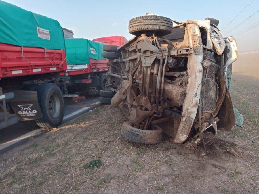 Impactante choque de nueve vehículos en la Ruta 19
