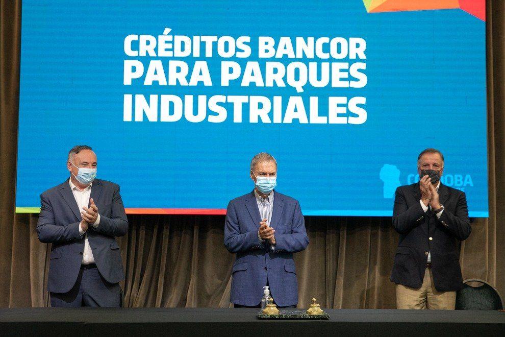 Schiaretti lanzó líneas de crédito para industrias