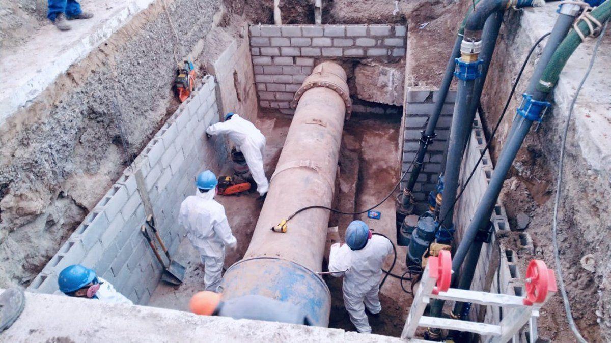 Aguas Cordobeses lleva adelante un corte programado por la colocación dos válvulas esclusas.