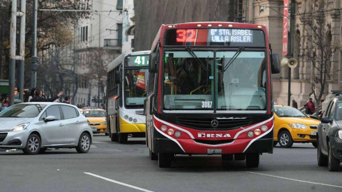 Los usuarios continúan descontentos por el transporte urbano