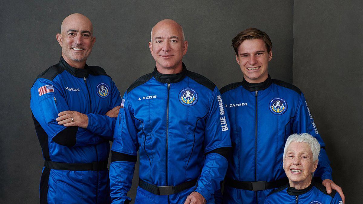 Jeff Bezos, el hombre más rico del mundo, parte hacia el espacio en su propia nave