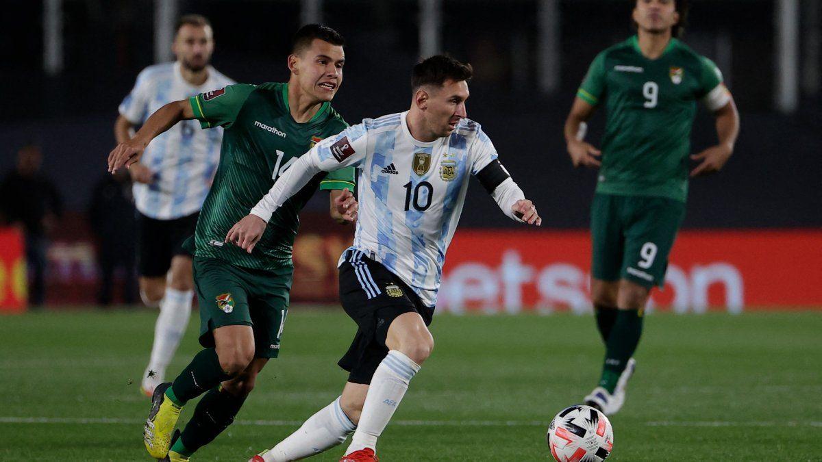 Argentina y Messi festejaron en el Monumental ante Bolivia