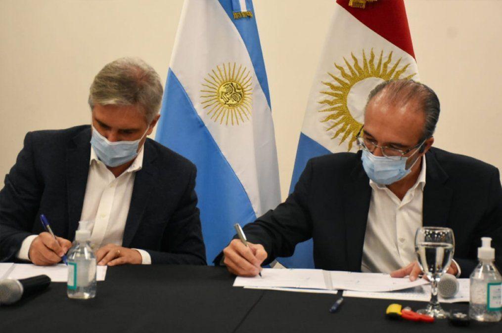 Martín Llaryora y Fabián López firmaron los primeros convenios de cooperación.