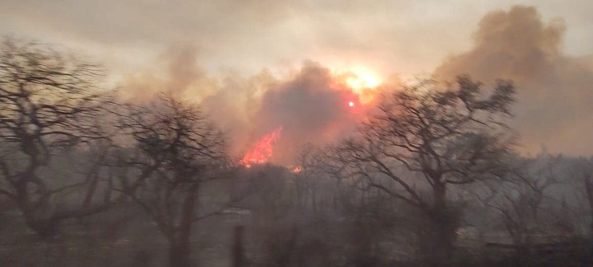 Continúa el combate a los incendios en el norte de Córdoba