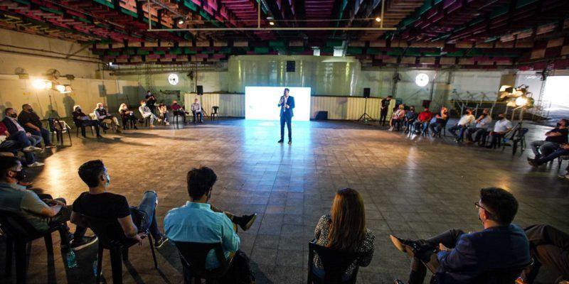 Córdoba: habilitan espectáculos en grandes establecimientos en formato burbuja