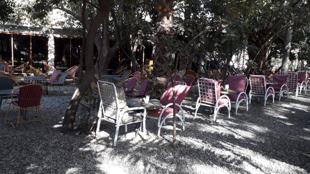 Roban en el Parque Sarmiento a plena luz del día