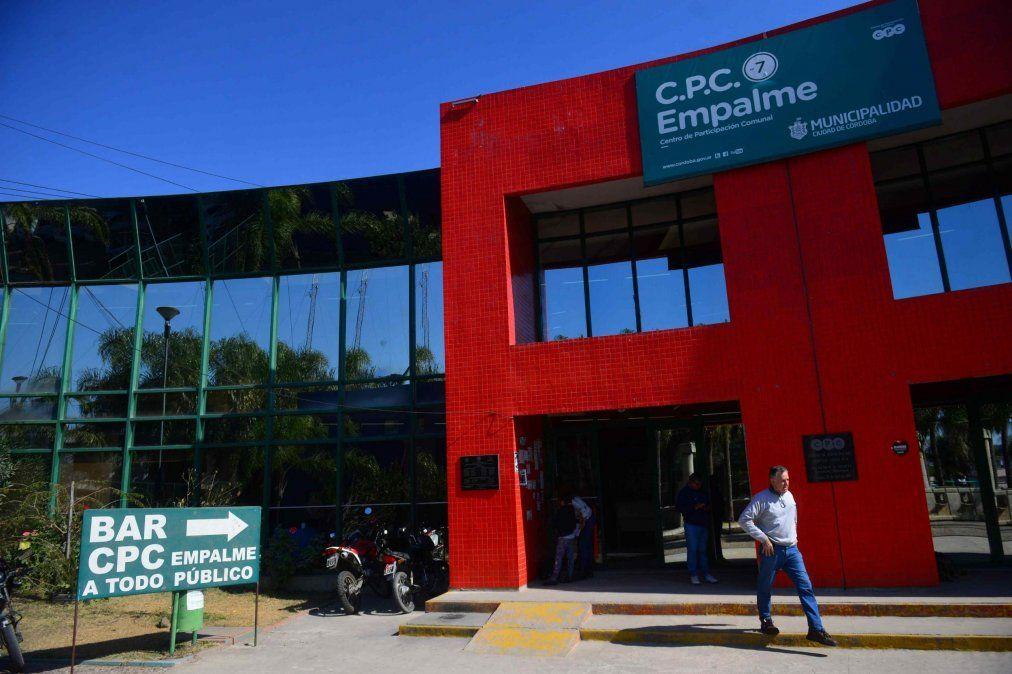 Una empleada de limpieza denunció en el Polo de la Mujer al director del CPC de Empalme.