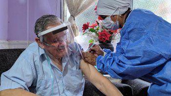 El 75,2% de la población a partir de 18 años inició su esquema de vacunación