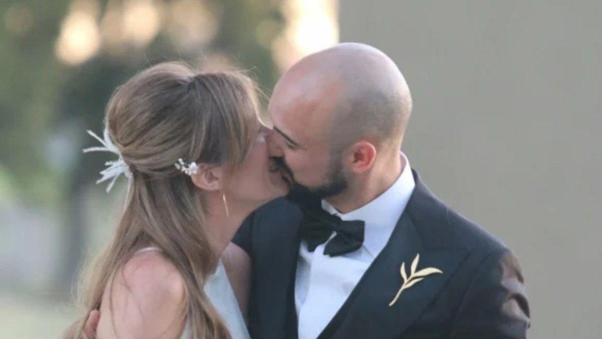 Abel Pintos y Mora Calabrese sellaron su amor en una boda íntima y romántica