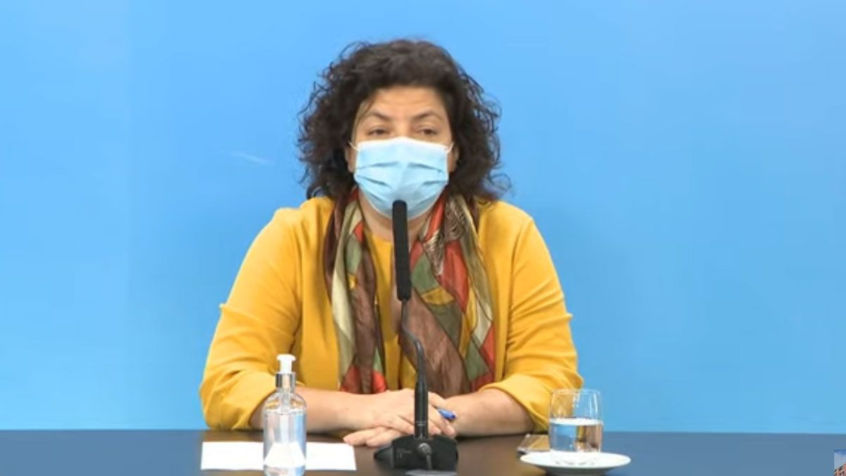 La ministra Carla Vizzotti brinda una conferencia de prensa
