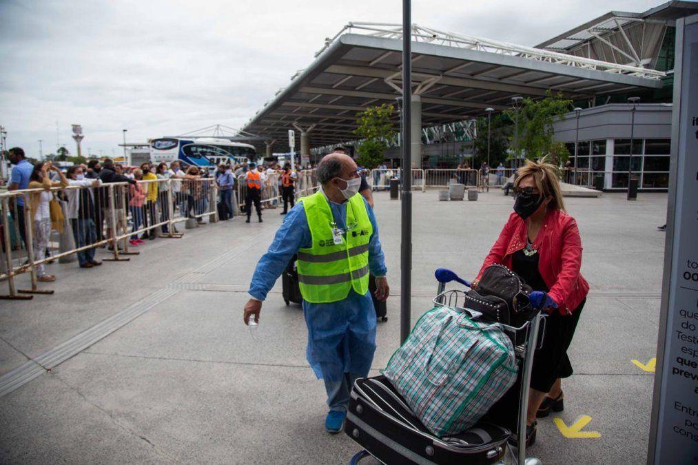 Quienes regresen al país realizarán aislamientos monitoreados.