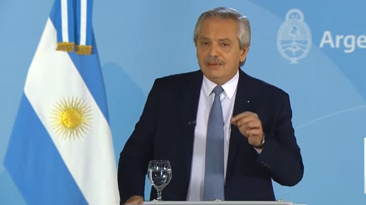 Alberto Fernández encabeza el acto en la Casa Rosada.