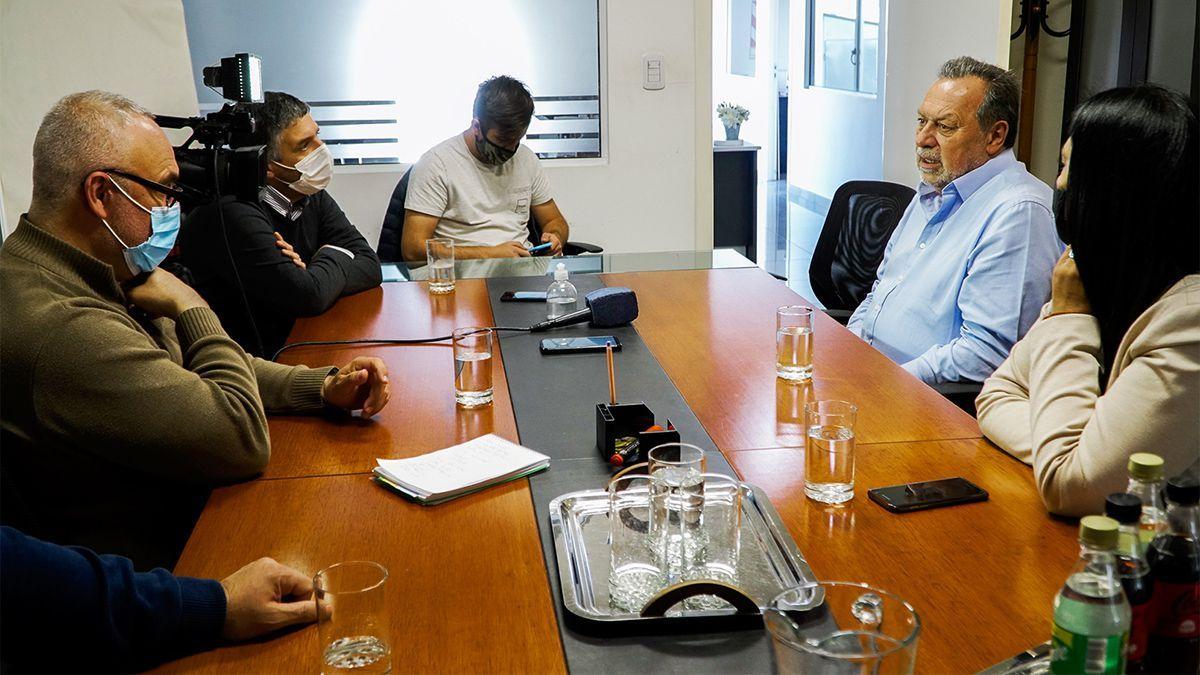 Santos: ¿Somos una república o somos una autocracia populista?