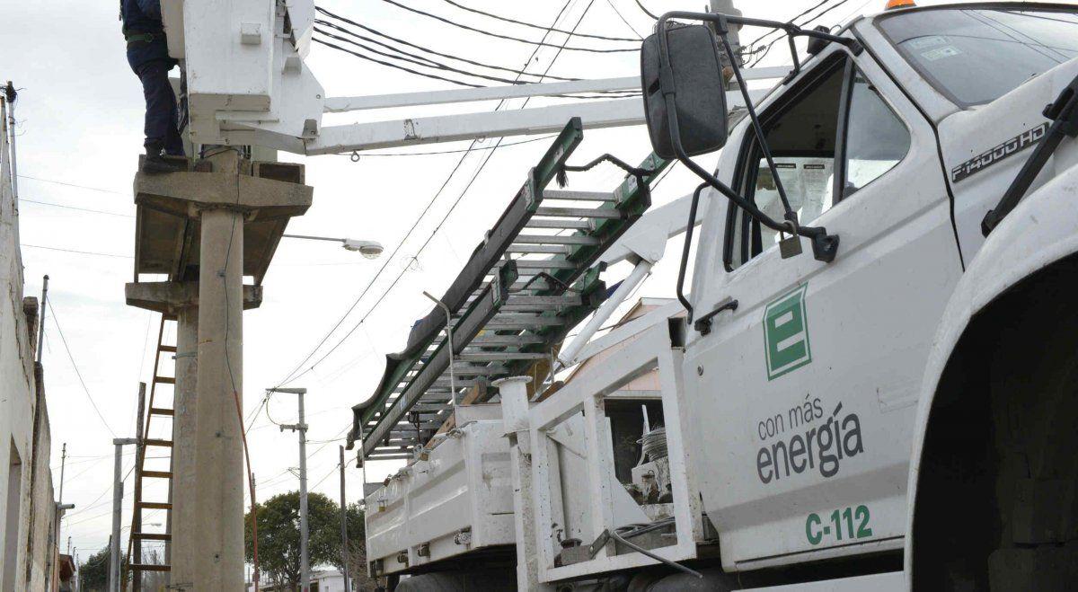 EPEC trabaja en una falla que deja sin luz a barrios del suroeste de Córdoba