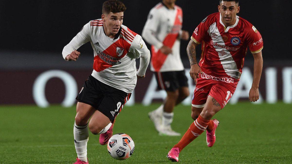 Club Atlético River Plate y Asociación Atlética Argentinos Junior
