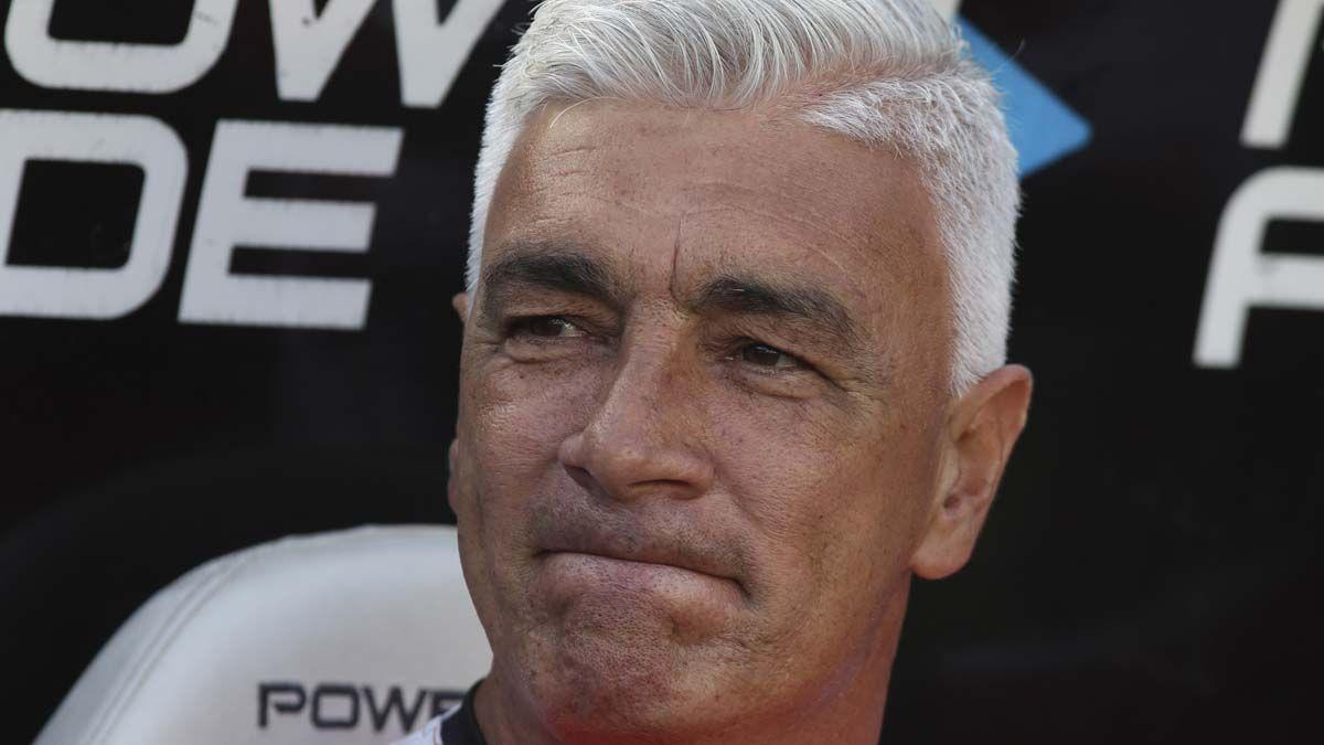 De Felippe es el décimo entrenador que se va en 15 fechas desde el comienzo del torneo.