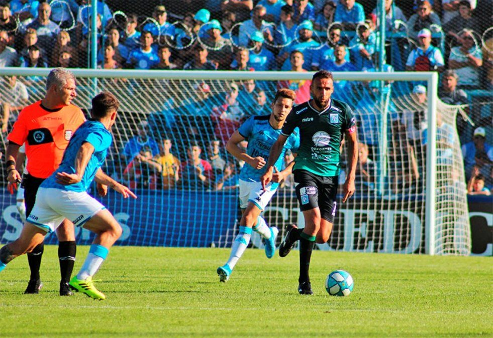 Se enfrentan celestes y cordobeses: Belgrano visita a Estudiantes de Río Cuarto por la Primera Nacional.