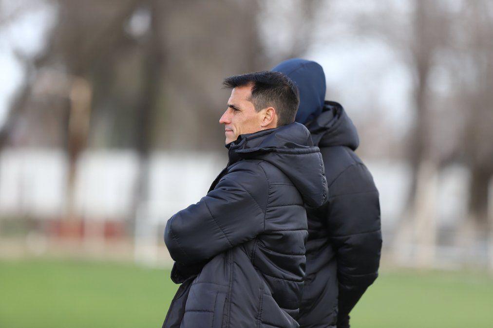 Guillermo Farré analiza dos variantes en Belgrano para visitar a Quilmes.
