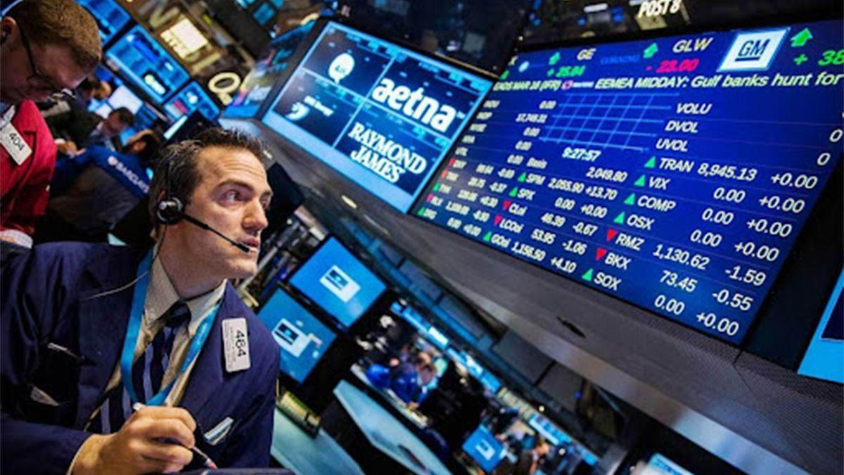 En las operaciones previas a la apertura de Wall Street