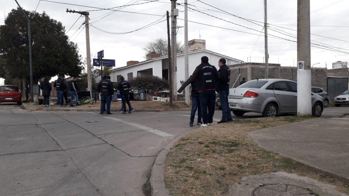 Operativo policial en Villa La Lonja.