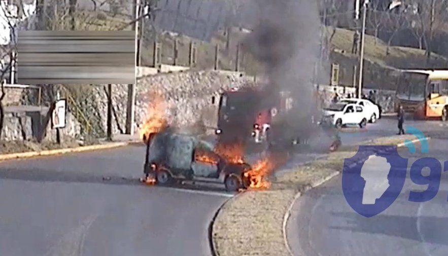 Se incendió una Fiat Fiorino en la subida del Cerro