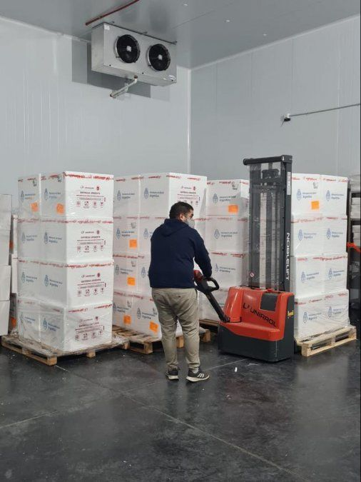 Llegaron a Córdoba más de 100 mil dosis de Sinopharm
